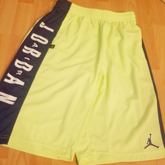 4fc658f7236bbd Air Jordan GHOST GREEN Kids Boy Ball Shorts XL
